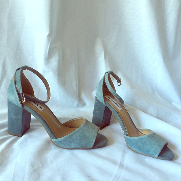 e6cb428cbd1 Blue Steve Madden block heel. M 5ab92764a4c4858993ae8811